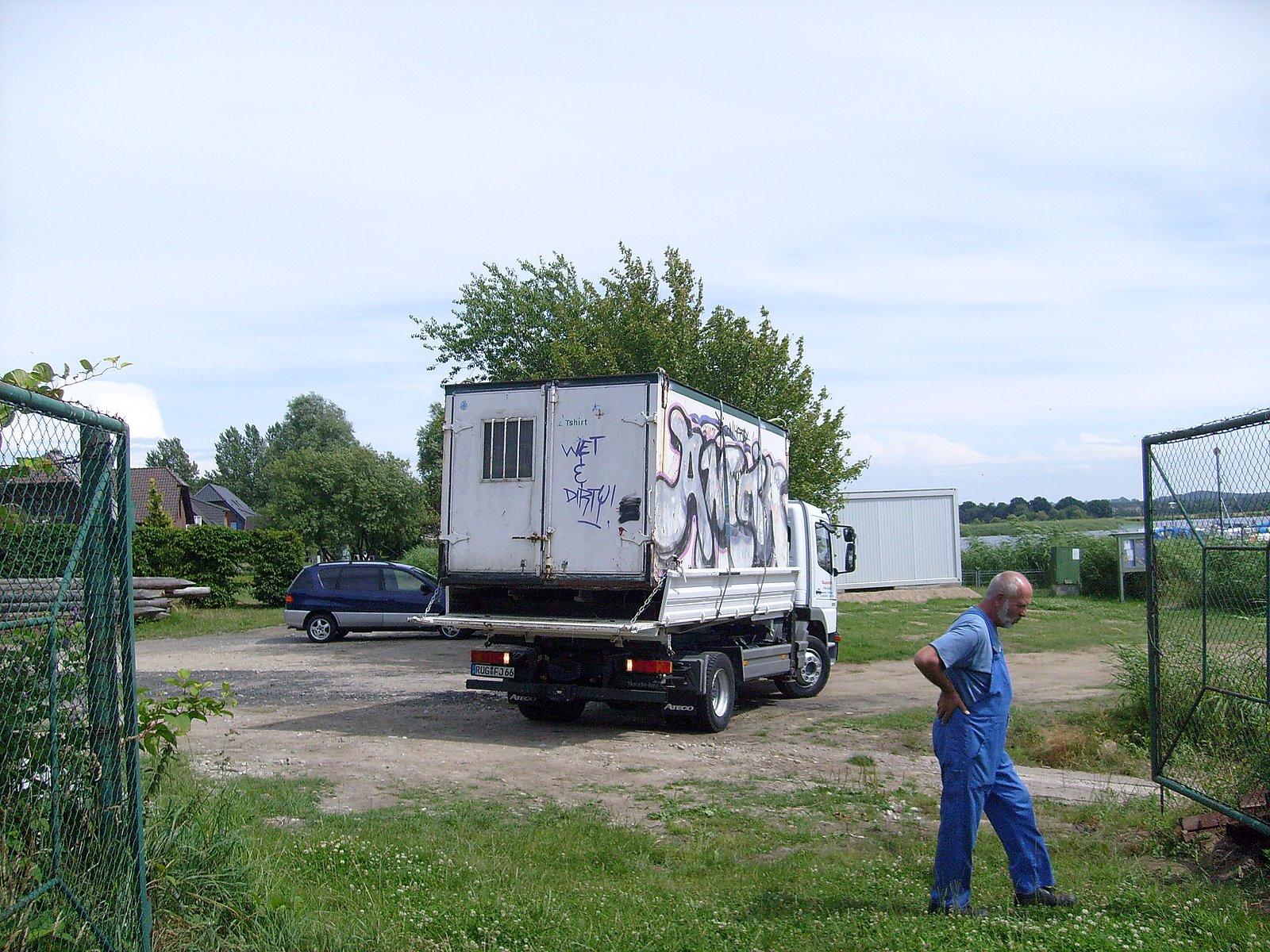 S7300994